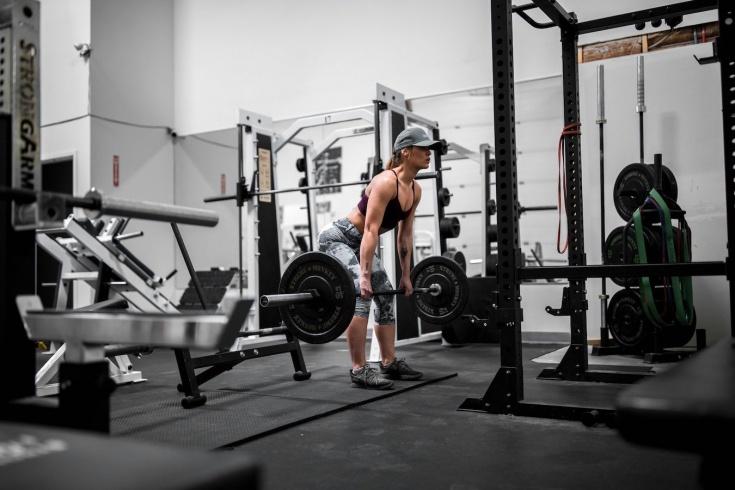 Как сэкономить на покупке абонемента в фитнес-клуб, как заниматься в тренажёрном зале недорого