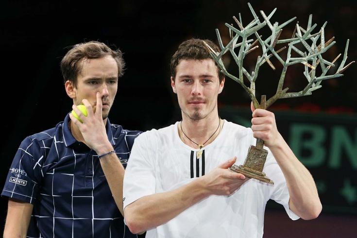 Сокращение призовых в теннисе: Медведев в Париже заработал меньше, чем Сафин в 2000 году