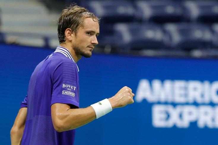 US Open — 2021: Даниил Медведев победил с «баранкой» испанского ветерана и первым из россиян пробился во 2-ю неделю