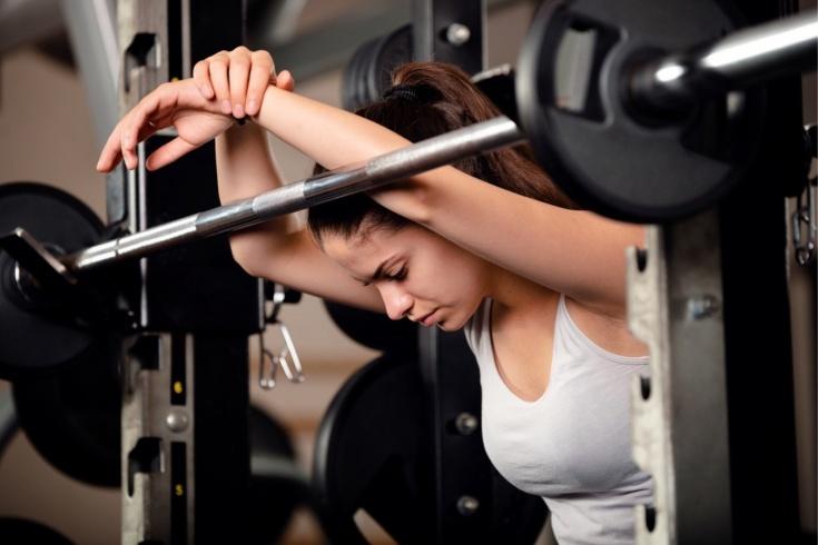 Самые бесполезные упражнения в тренажерном зале и дома, какие популярные упражнения неэффективны