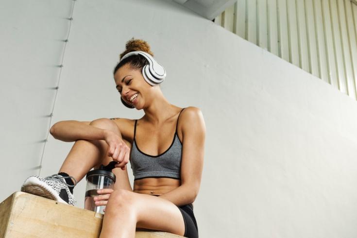 Как музыка влияет на тренировки? Плейлисты
