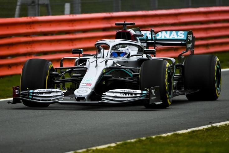«Мерседес» показал болид W11 на сезон-2020 Ф-1