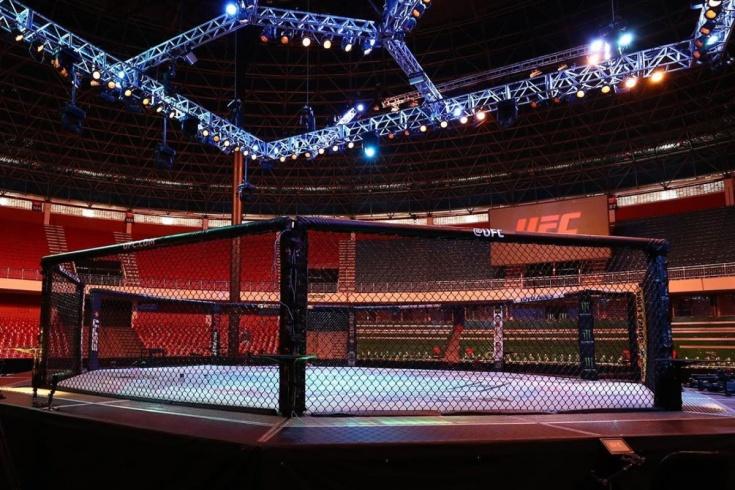 UFC в Бразилии: Крылов победил Уокера, Ли проиграл Оливейре, у Кунченко второе поражение