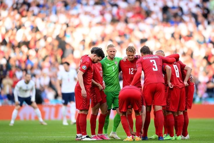 У Дании пропал игрок во время матча Евро. Как?