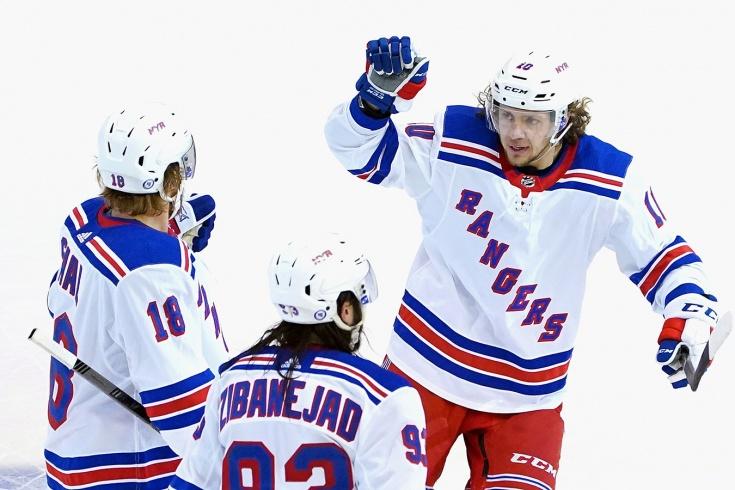 «Рейнджерс» сохранили центра для Панарина. Что будет с командой в новом сезоне НХЛ?