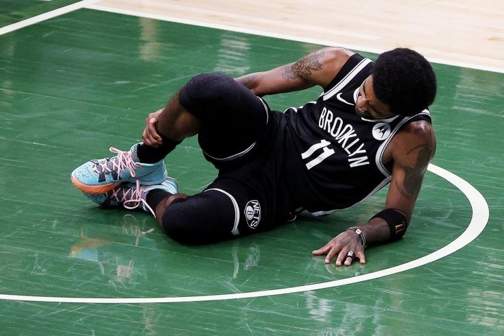 «Милуоки Бакс» сравнял счёт в серии с «Бруклин Нетс», Кайри Ирвинг получил травму, Майк Джеймс заменил его в старте