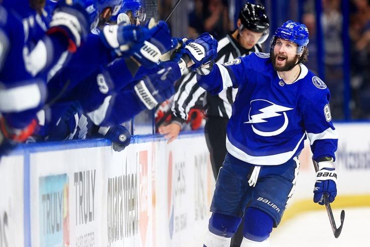 Никита Кучеров скоро станет лучшим русским бомбардиром в истории плей-офф НХЛ
