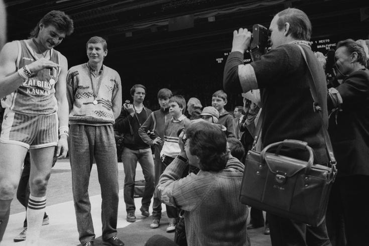 Сборная СССР выиграла чемпионат мира по баскетболу 1982 года, Колумбия, Пабло Эскобар, США