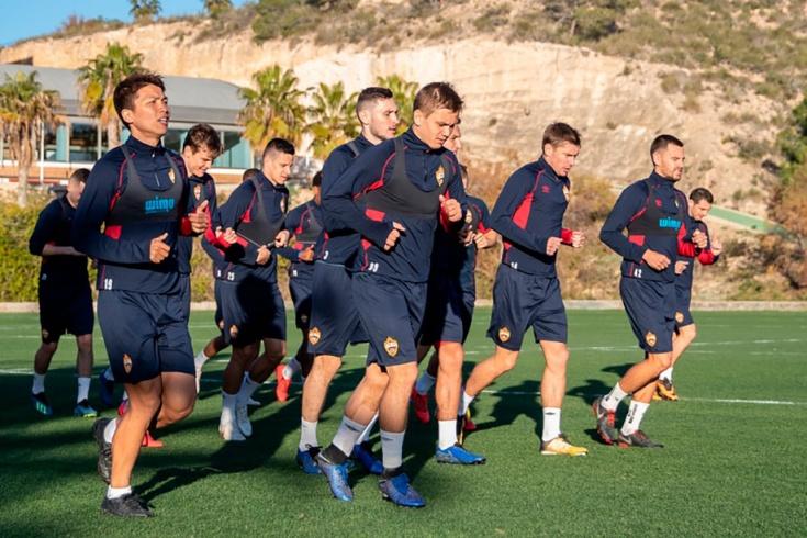 Футбольная база кампоамор испания