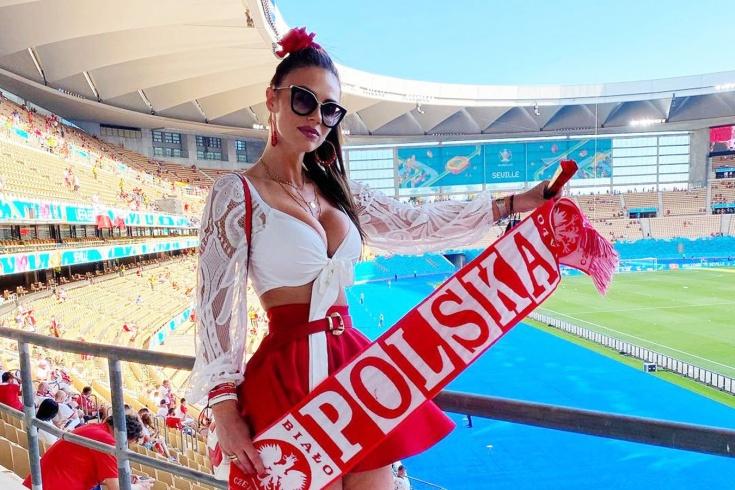 Эффектная болельщица сборной Польши