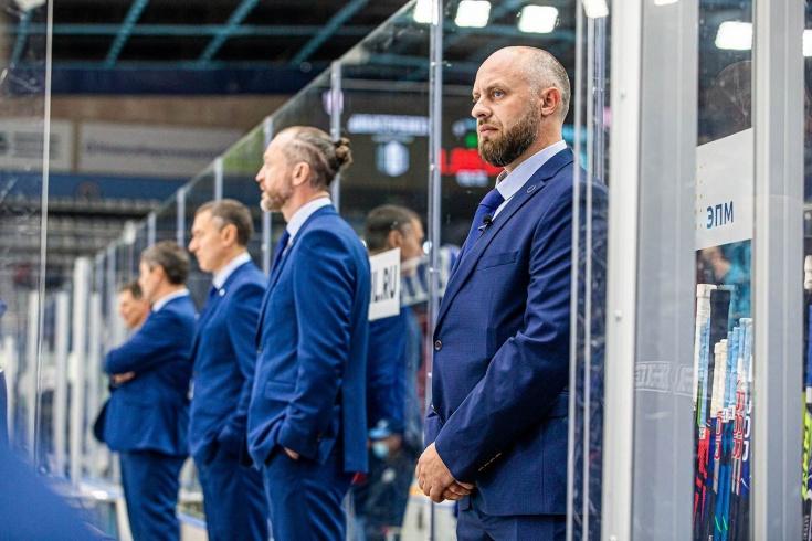 Болельщик «Сибири» Александр Ковальчук вошёл в тренерский штаб команды на матч КХЛ