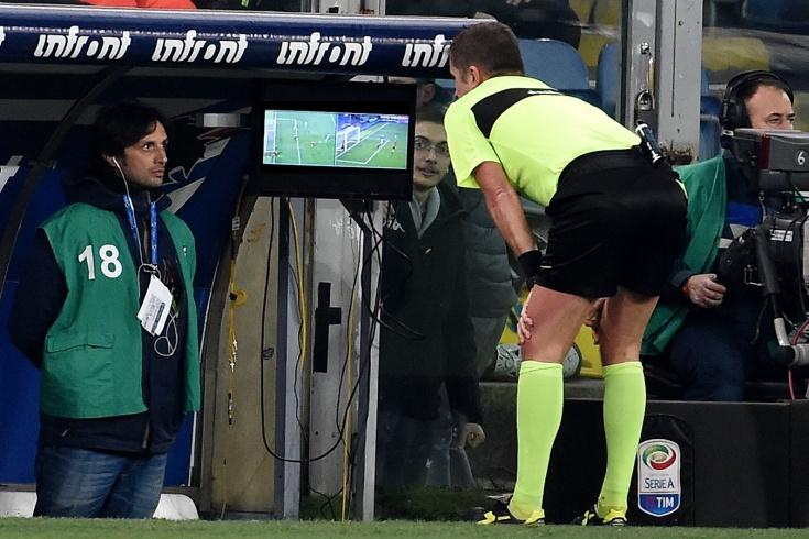 В Саудовской Аравии во время матча отключили VAR,
