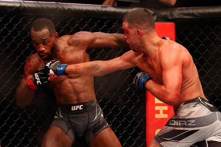 Эдвардс беспощадно избивал Диаза, но едва не улетел в нокаут в концовке. Видео