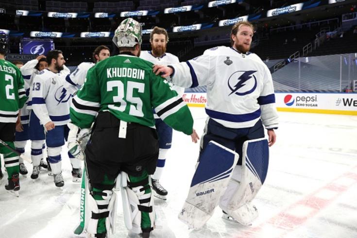 В НХЛ обсуждают русских вратарей. У Василевского новый рекорд, а Худобина могут обменять?