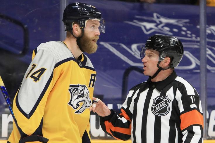 Судейский скандал в НХЛ – арбитр проговорился в микрофон, что притянул удаление «Нэшвилла» за уши