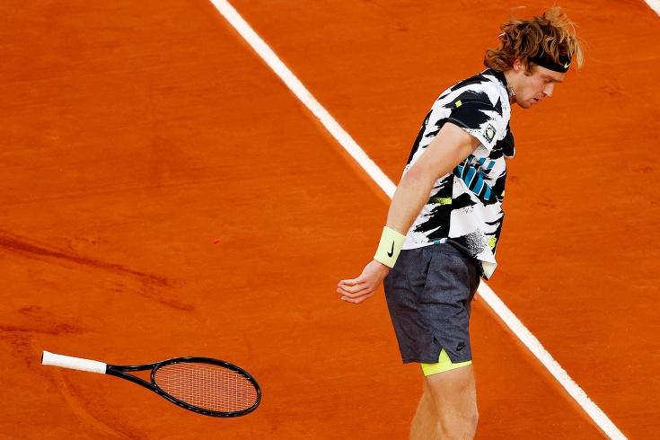Рублёв проиграл в 1/4 финала «Ролан Гаррос», но может попасть на Итоговый чемпионат ATP