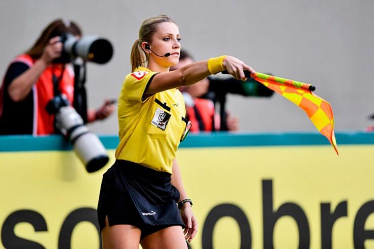 Футбол всё чаще судят женщины — это проблема, или беспокоятся только сексисты?