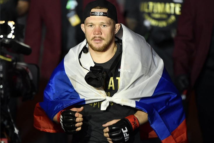 Петра Яна цинично «ограбили»? Судьи UFC простили американцу такое же нарушение