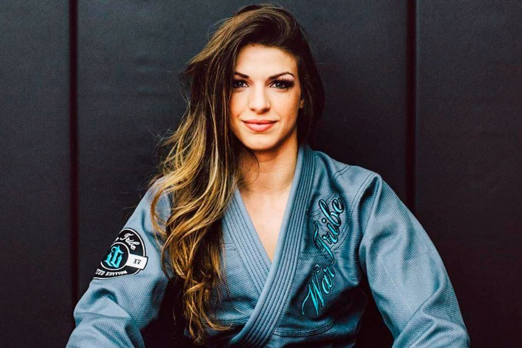 Дочь мастера джиу-джитсу рвётся к титулу UFC. Маккензи Дёрн не только сильна, но и красива