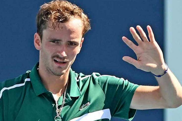 Даниил Медведев, несмотря на судороги, пробился в 1/8 финала «Мастерса» в Майами, довёл серию побед до 6 матчей, видео