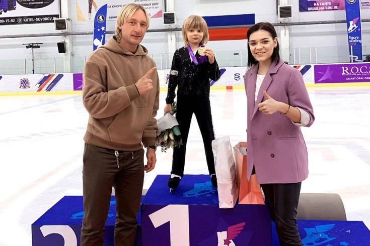 Евгений и Александр Плющенко и Аделина Сотникова