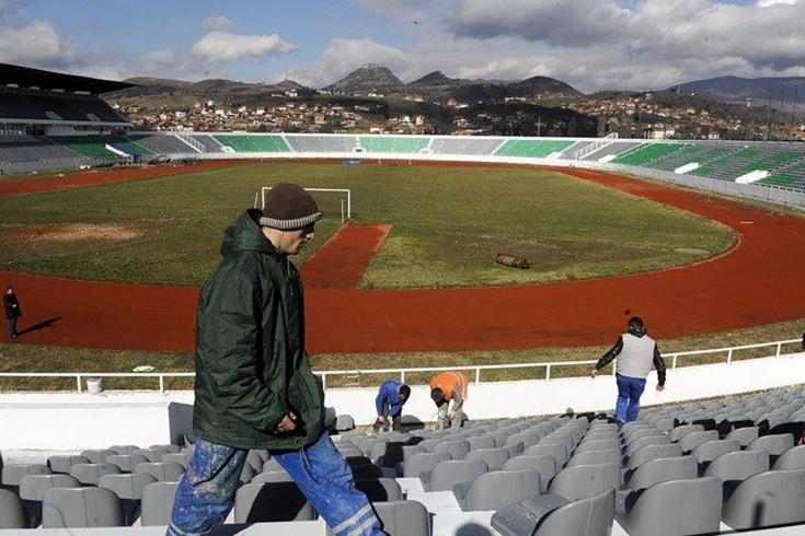 «На другой стороне города меня могут убить». Как живут в Косово и что там с футболом?