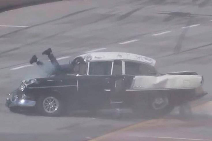 Авария в дрэг-рейсинге: у пилота 55-й «Шевроле» из окна торчали ноги