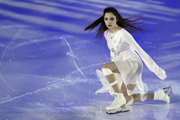 Евгения Медведева на чемпионате России-2020 — сломанный ботинок, катание через боль, порванное платье