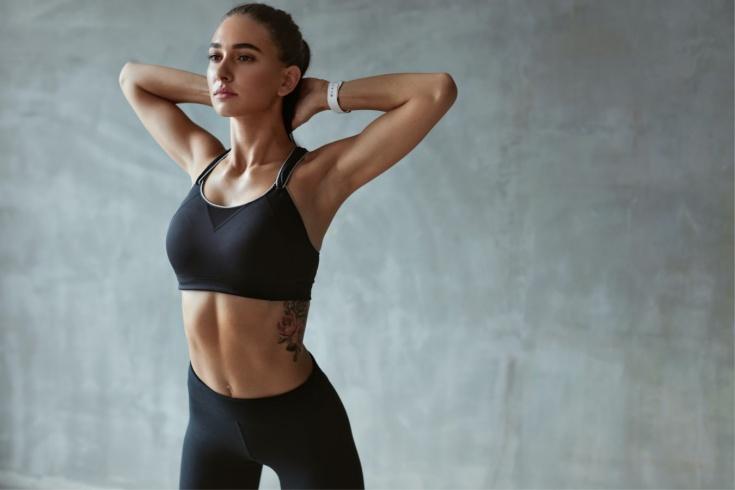 Нужно ли надевать спортивный бра на тренировку дома? Рекомендации врача