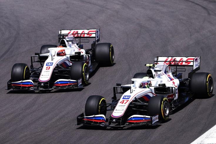 Хэмилтон станет восьмикратным, Шумахер разгромит Мазепина. Прогнозы до конца сезона Ф-1