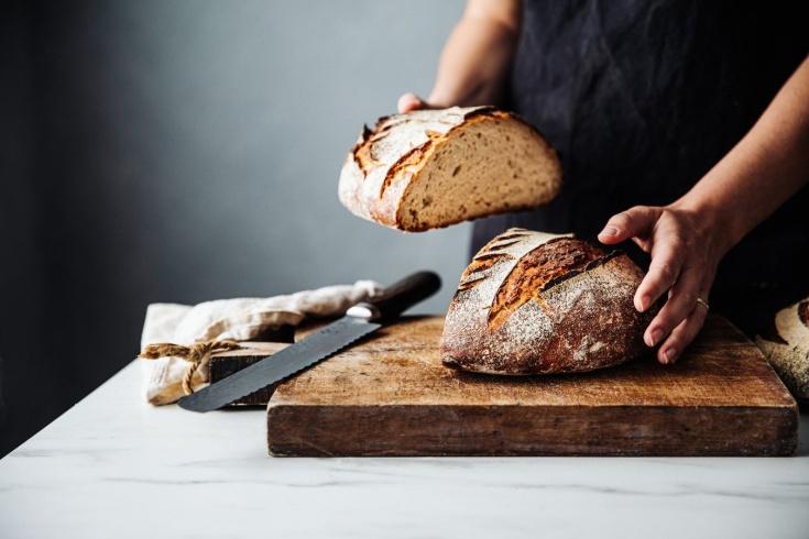 Какой хлеб наиболее и наименее калорийный, сколько калорий в разных видах хлеба?