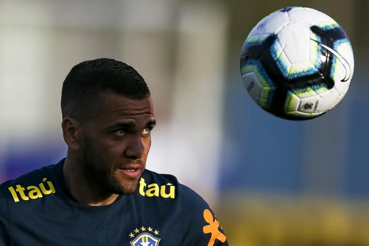 Дани Алвес забил в дебютном матче за Сан Паулу, играя
