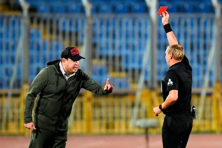 «Судья профнепригоден». Слуцкий удалился в матче с «Зенитом», а затем разнёс арбитра