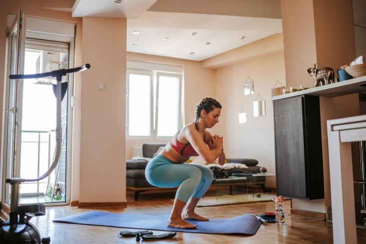 Что будет с телом, если приседать по 20 раз каждый день? Мнение тренера