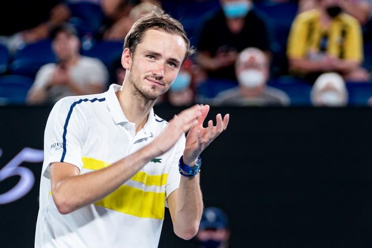 Даниил Медведев гарантировал звание 2-й ракетки мира и вышел в полуфинал турнира в Марселе, Рублёв и Хачанов проиграли