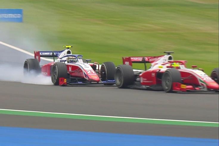 Шварцман столкнулся с Шумахером в гонке Ф-2 в борьбе за победу. Сын Михаэля извинился