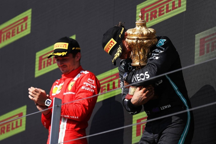 Ферстаппен сам виноват, Хэмилтон застал Макса врасплох. Оценки за Гран-при Великобритании