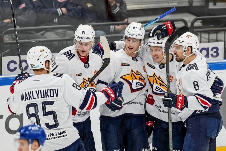 «Металлург» выиграл 10 матчей подряд и единолично лидирует в регулярном чемпионате КХЛ сезона-2021/2022