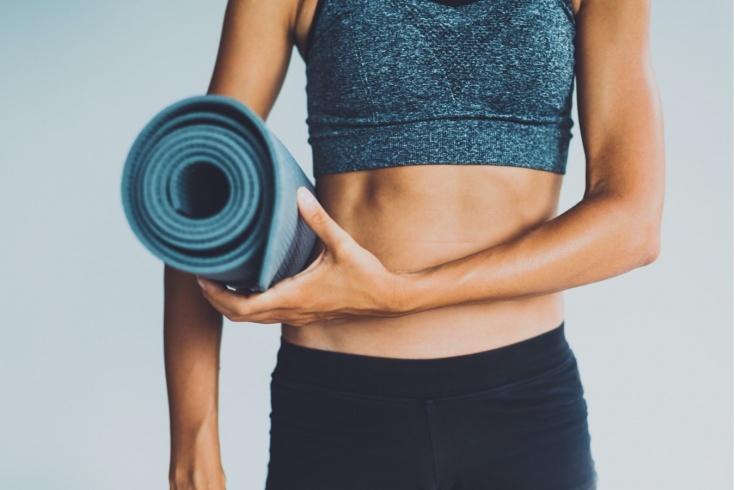 Как выбрать коврик для домашних тренировок по фитнесу, йоге и пилатесу? Советы тренера
