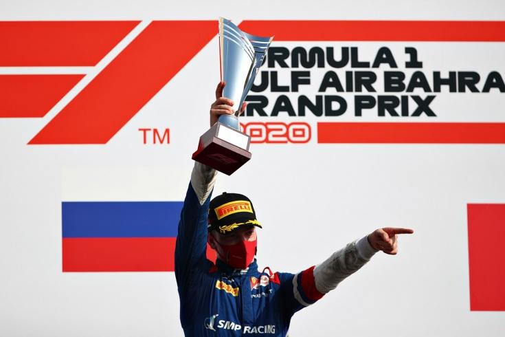 Роберт Шварцман выиграл спринтерскую гонку Формулы-2 в Бахрейне, Никита Мазепин — второй
