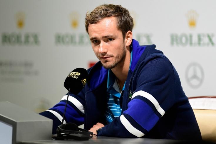 «Я очень устал». Медведев объяснил, как провалил уже почти выигранный матч в Индиан-Уэллсе