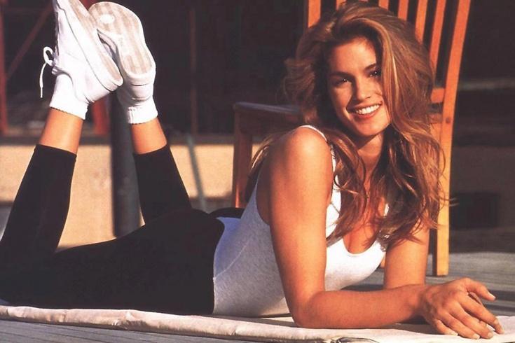 Какими были занятия по аэробике в 90-х? Фитнес с Синди Кроуфорд. Видео
