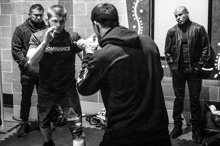 Усман Нурмагомедов победил Майка Хэмела на турнире Bellator 255 3 апреля 2021