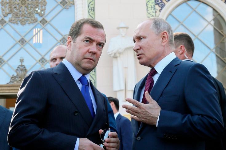 Минюст США: Путин в возможной беседе с Медведевым