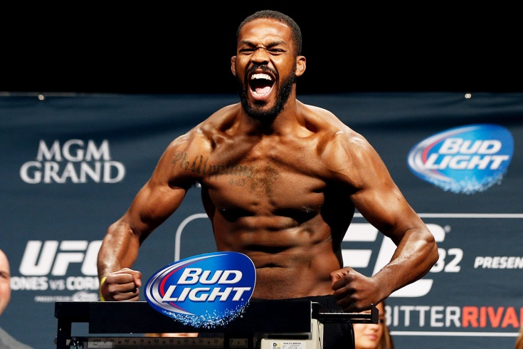 Боец UFC Джон Джонс поднял штангу 230 килограмм и может перейти в тяжёлый вес