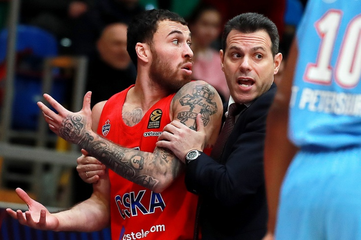 Евролига урезала зарплату игрокам и хочет завершить сезон в июле
