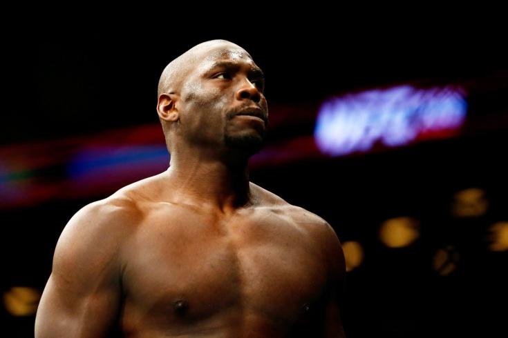 «Я банкрот, мне нужно драться». Будущий претендент на титул UFC шокировал публику