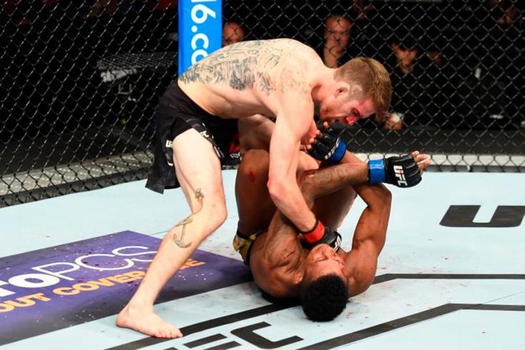 Кори Сэндхаген подерётся с Марлоном Мораесом на UFC Fight Island 5, где смотреть