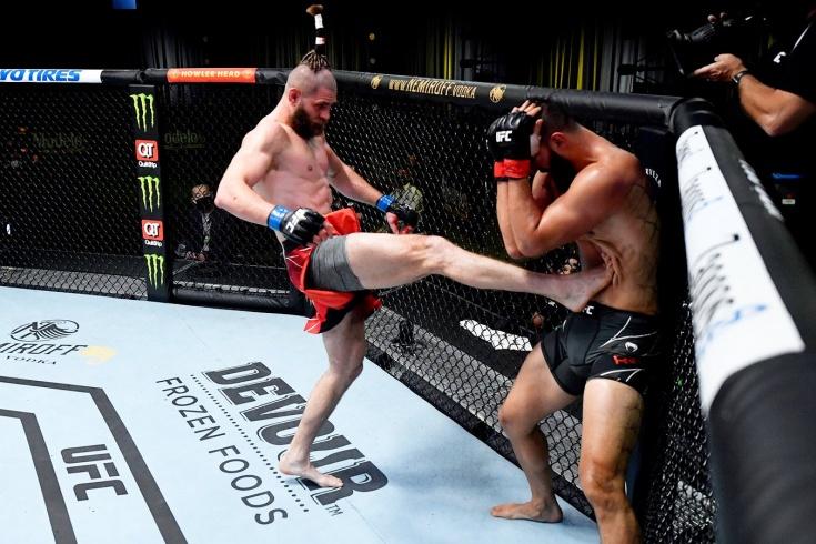 Иржи Прохазка нокаутировал Доминика Рейеса на турнире UFC Вегас 25, видео