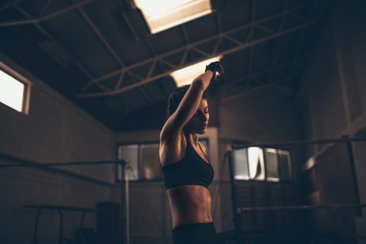 Шум в ушах, боль в суставах, немеют губы, боль в груди: о чём говорят эти сигналы во время тренировок?